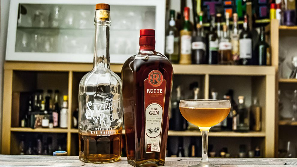 Rutte Sloe Gin im Black Hawk mit Sazerac Rye Whiskey.