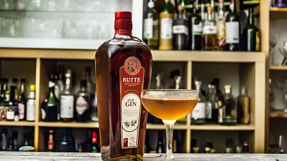 Rutte Sloe Gin im Black Hawk mit Rye Whiskey.