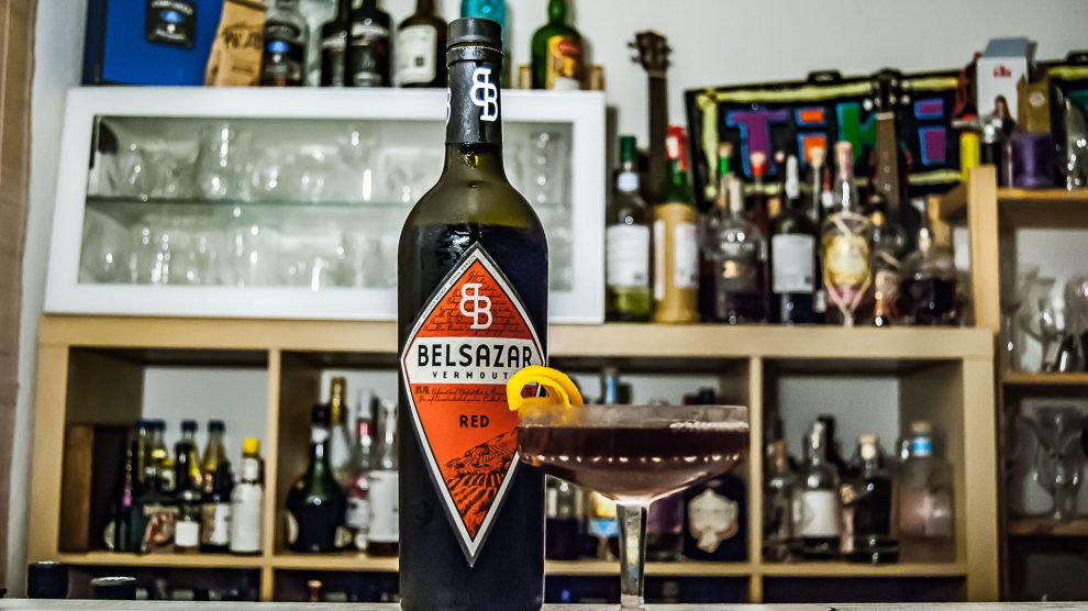 Beslazar Red Vermouth im Blackthorn mit Sloe Gin.