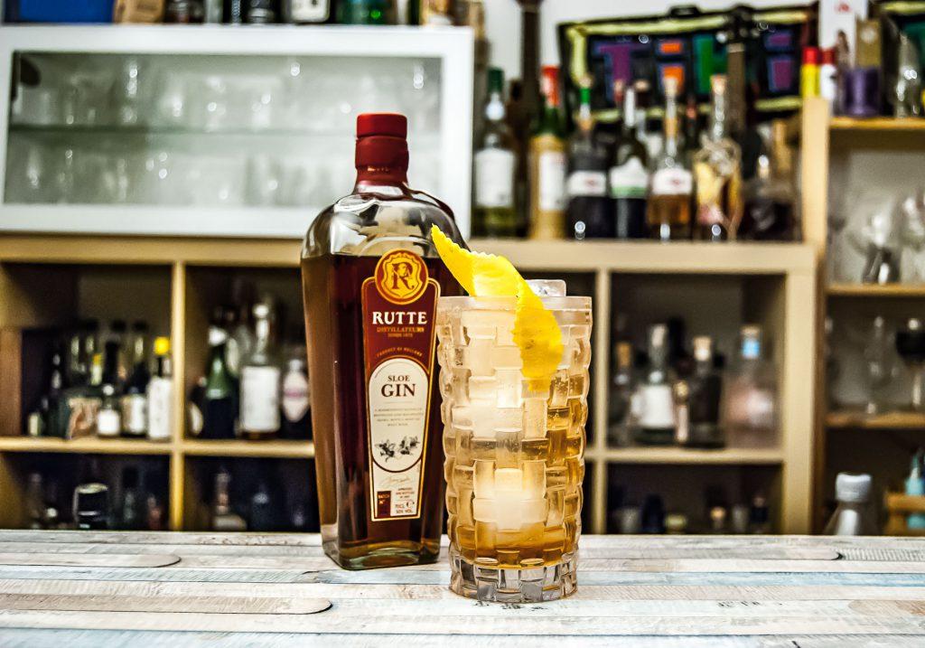 Rutte Sloe Gin im Sloe Gin & Tonic.