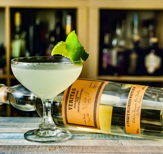 Veritas White Rum in einem grotesk guten Daiquiri.