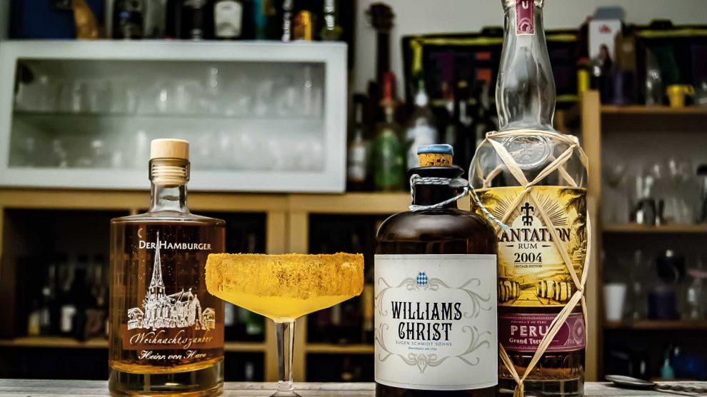 Von Have Weihnachtszauber in einem weihnachtlichen Drink mit Williams Birne und Rum.