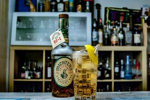 Michter's Single Barrel Rye Whiskey im Rye & Dry Cocktail mit Ginger Ale.