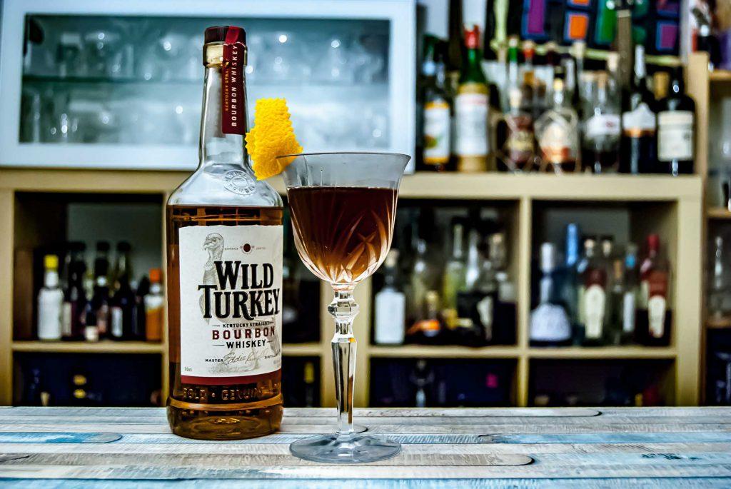 Wild Turkey Bourbon im Manhattan Cocktail.
