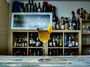Purgatory Cocktail - Rye trifft Chartreuse trifft Bénédictine.