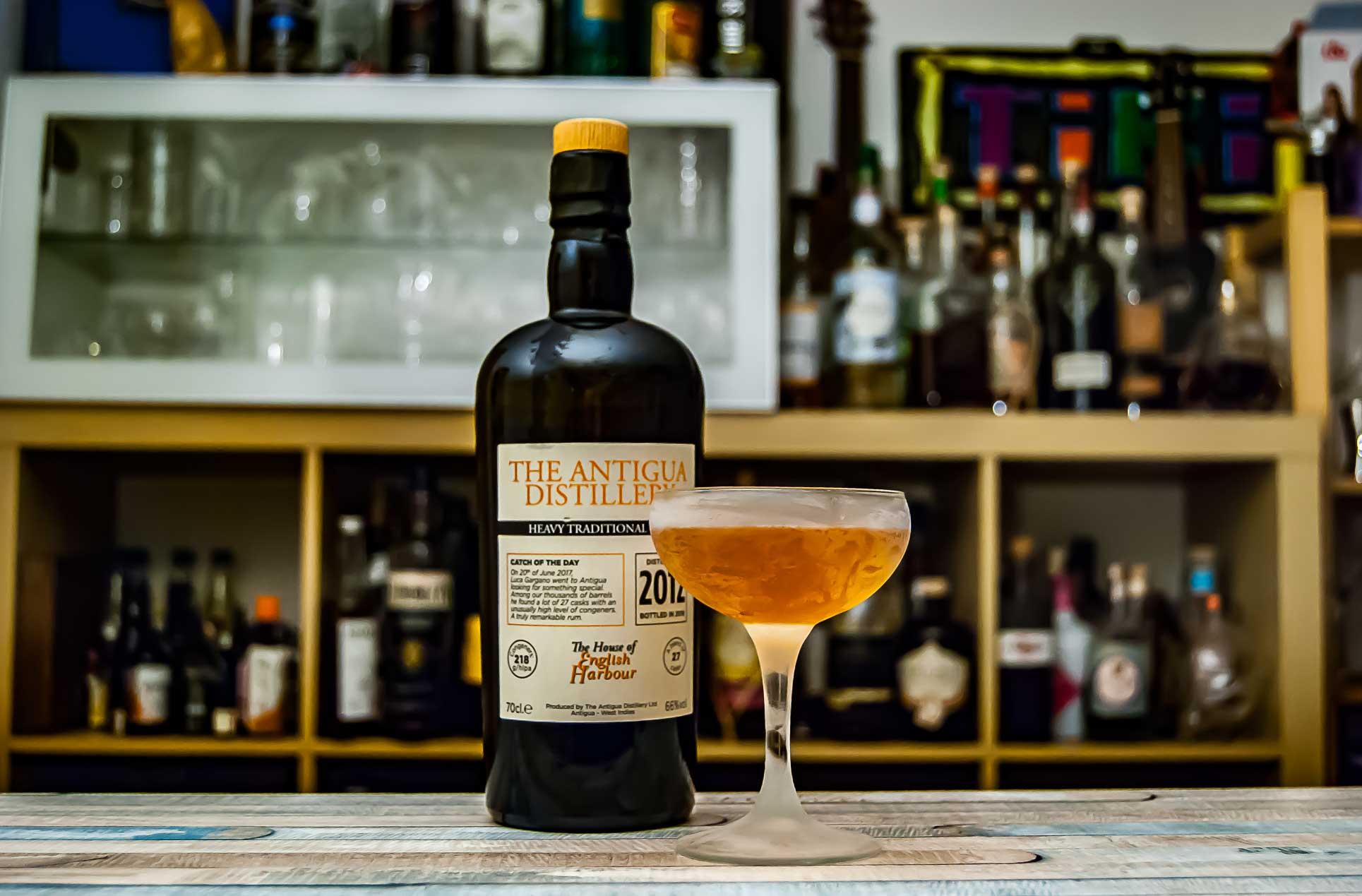Antigua Distillery Heavy Rum im Kennedy Manhattan.
