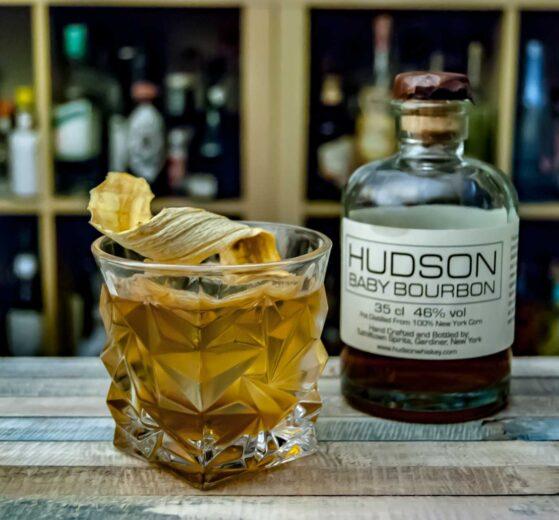 Hudson Baby Bourbon in einem Old Fashioned mit Bananenlikör.