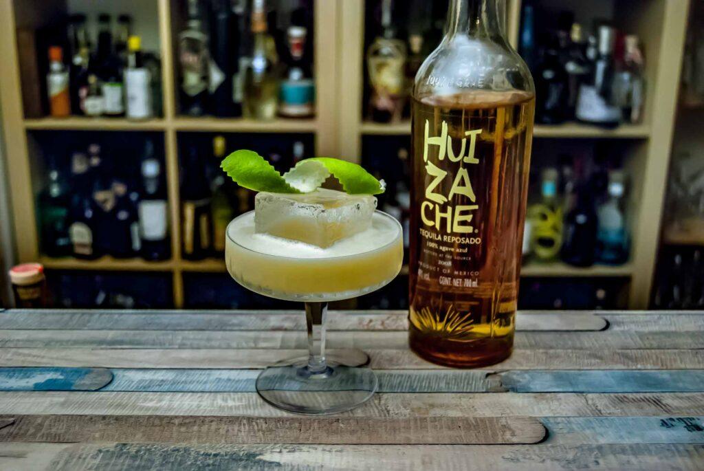 Huizache reposado in einer Buttermilch Margarita.