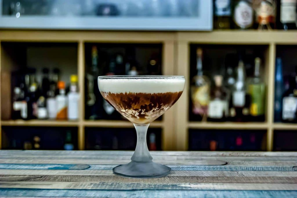 Von Have Jamaica Rum im Elliot Marsten Cocktail mit Ahornsirup-Sahne.