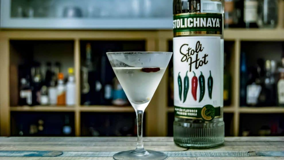 Stoli Hot in einem Hot Vodka Martini.