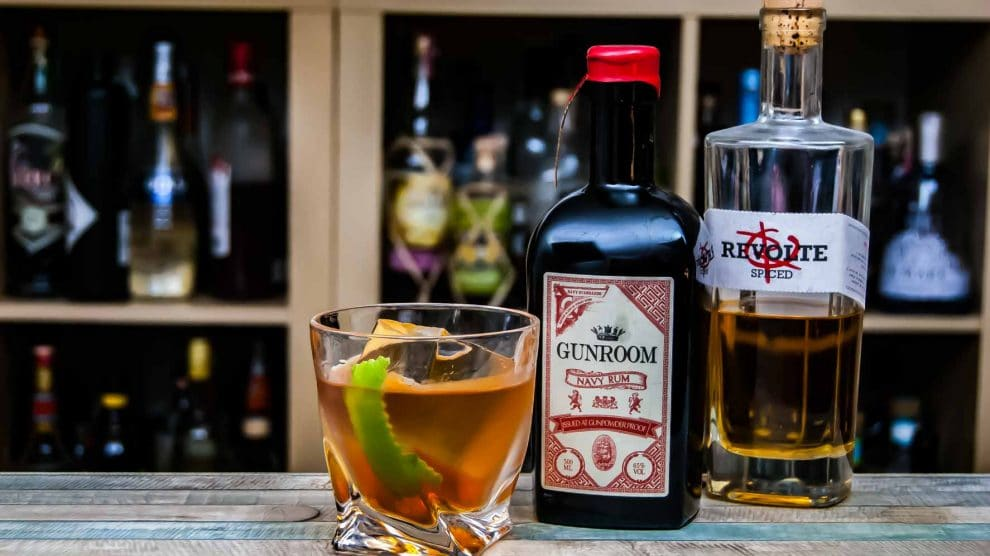 Gunroom Navy Rum im Corn 'n Spice Cocktail.