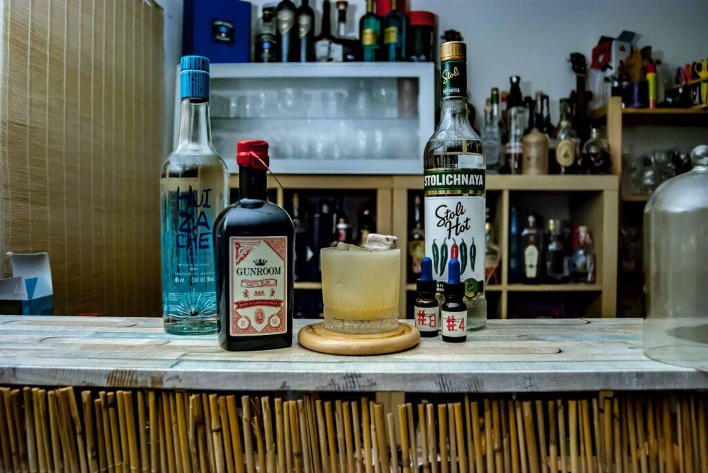 Gunroom Navy Rum in einem ziemlich abgefahrenen Mix aus Tequila und Jalapeno Vodka - zu dem wir euch an anderer Stelle mal mehr erzählen.