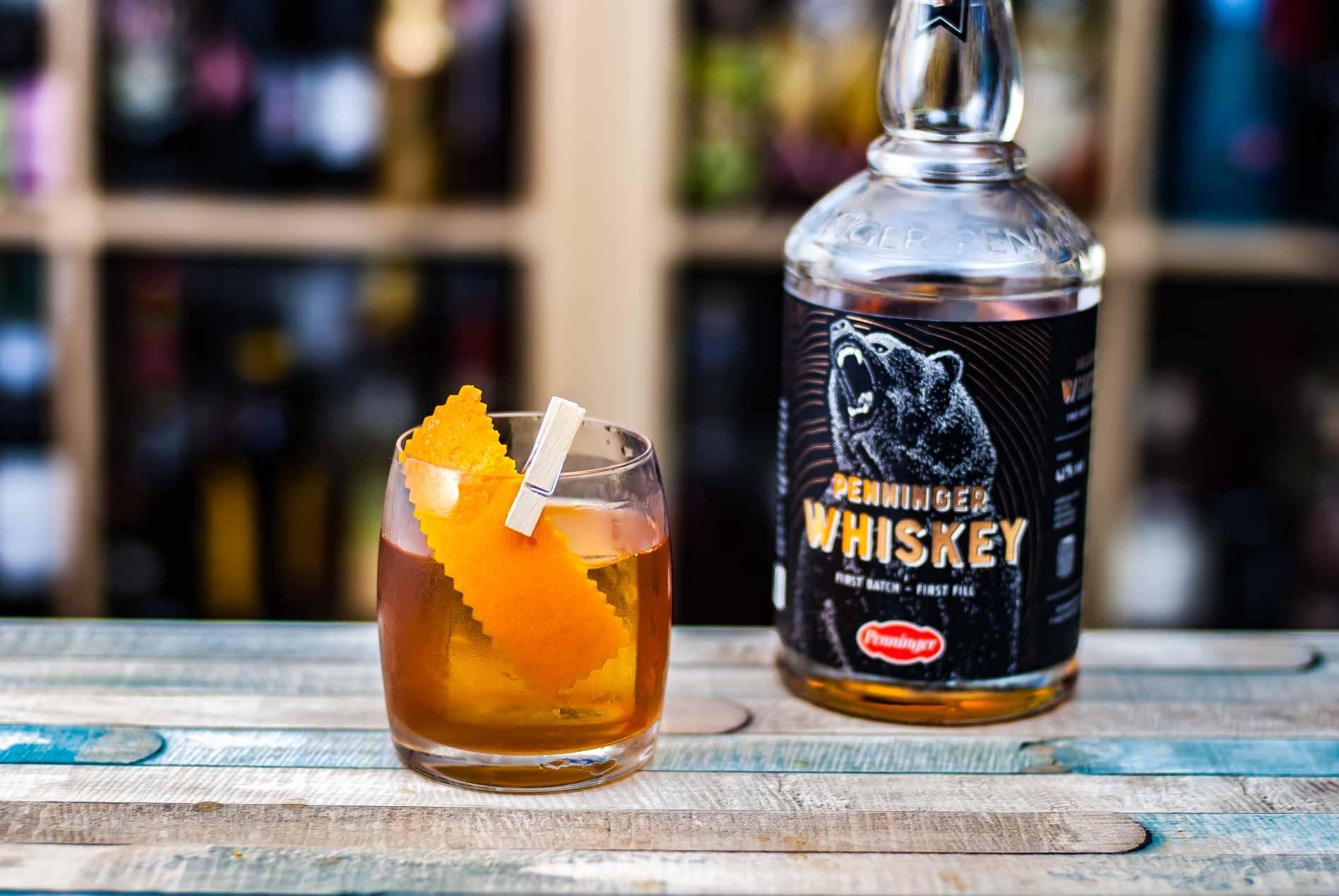Penninger Whiskey in einer Kräuter-Variante des Boulevardier-Cocktails mit A