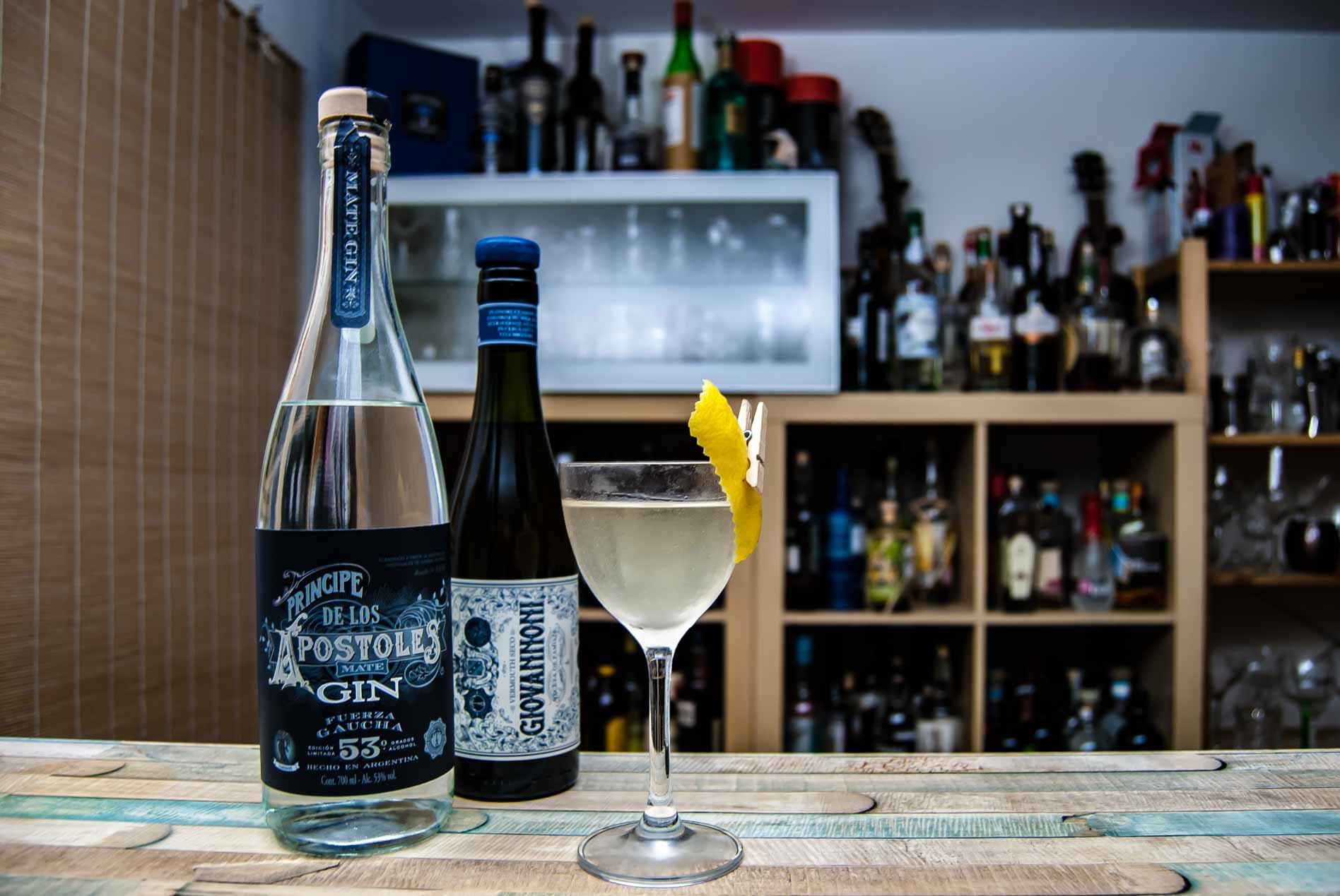 Príncipe de los Apóstoles Gin Fuerza Gaucha in einem Martini mit dem Giovanonni Vermouth aus gleichem Hause.