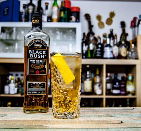 Bushmills Black Bush in einem Horse's Neck Cocktail.
