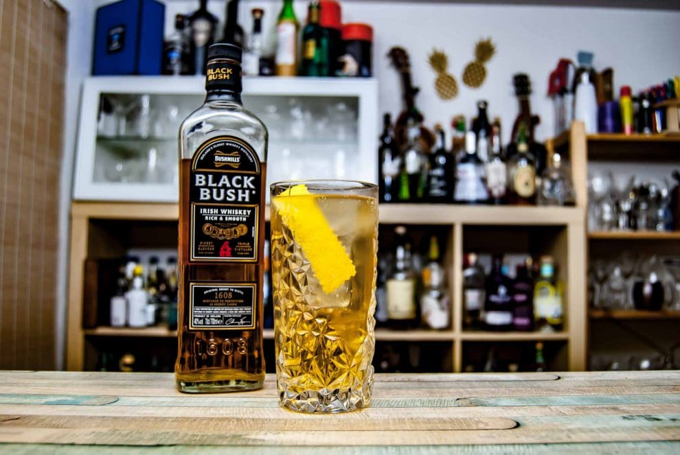 Bushmills Black Bush in einem Horse's Neck Cocktail.