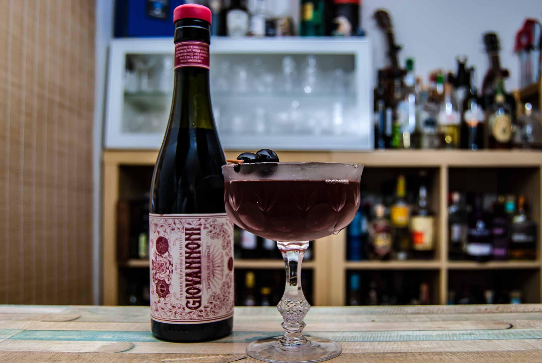 Giovannoni Rosso in einem sehr schmackhaften Manhattan Cocktail.