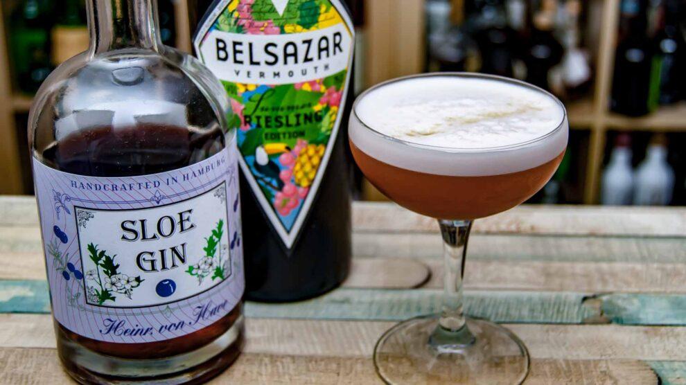 Heinrich von Have Sloe Gin Sloest Pineapple. mit Belsazar Riesling Vermouth.