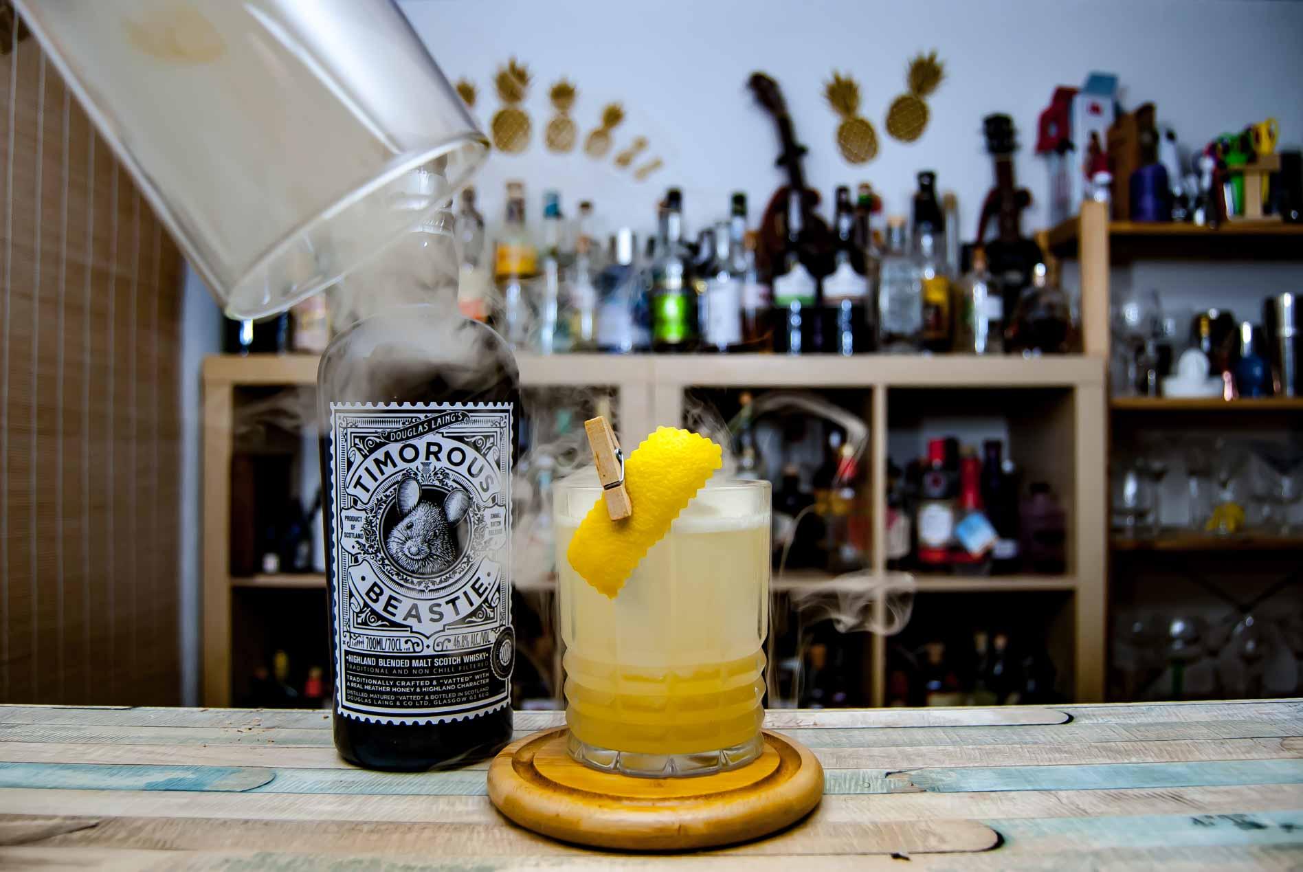 Timorous Beastie Blended Highland Scotch im Placebo, unserem Twist auf den Penicillin Cocktail.
