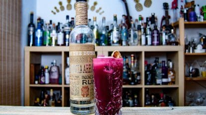 By the Dutch Batavia Arrack White in einem Pink Funk - einem Hibiscus Silver Fizz.
