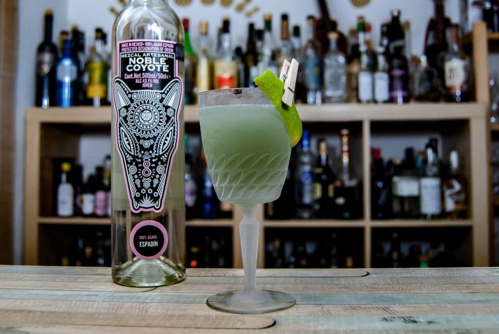 Noble Coyote Espadín Mezcal im Earth & Sky Cocktail.