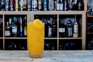 Screwdriver? Eher Wodka Orange - da ist der Name dann wenigstens Rezept.