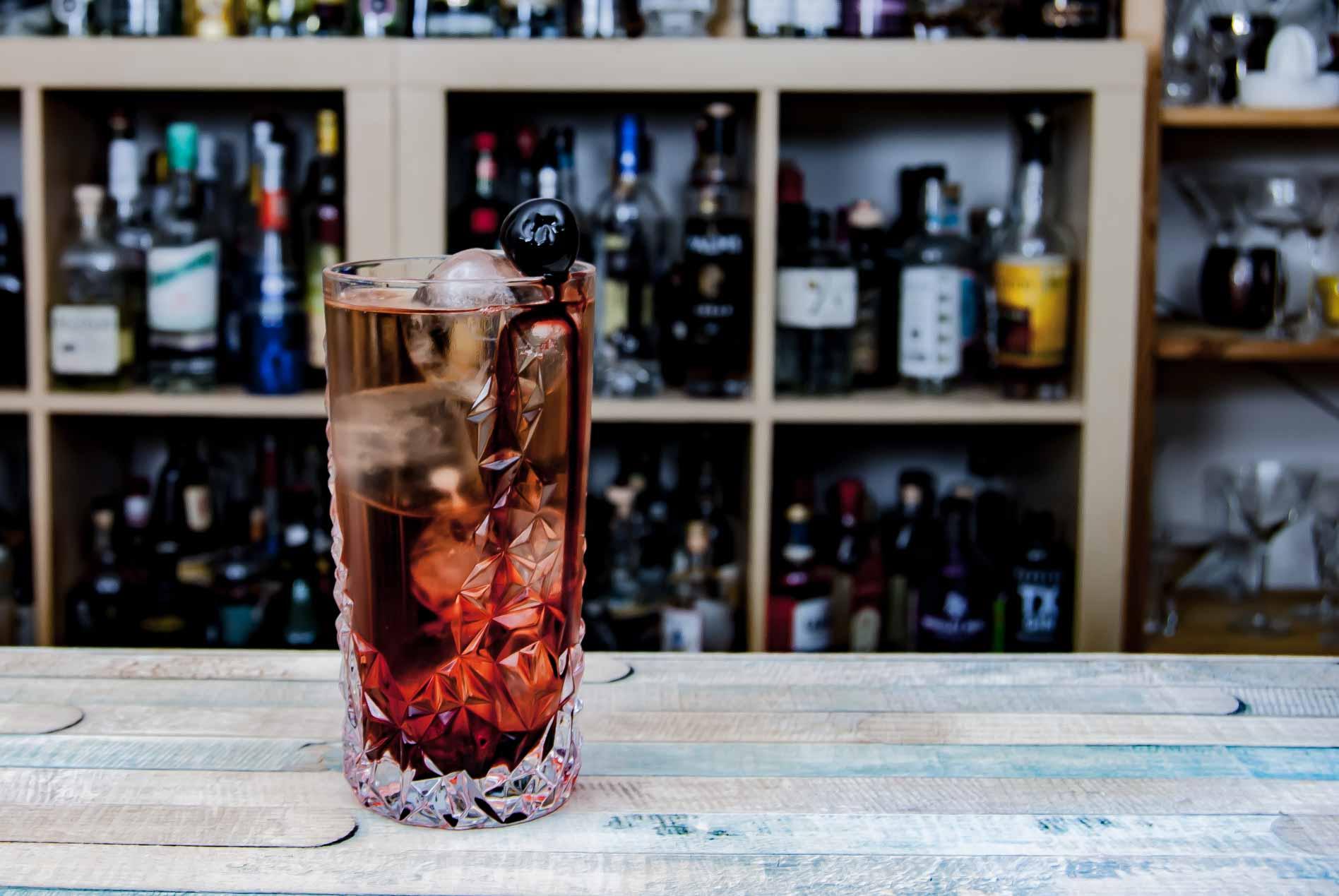 Der Shirley Temple ist vielleicht der berühmteste alkoholfreie Cocktail überhaupt.