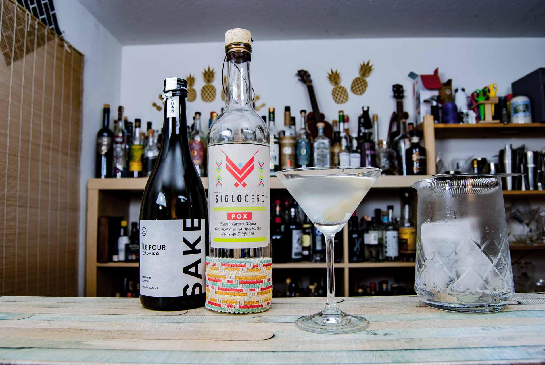 Siglo Cero Pox mit Junmai Sake und Silberzwiebeln im Onjuku Gibson.