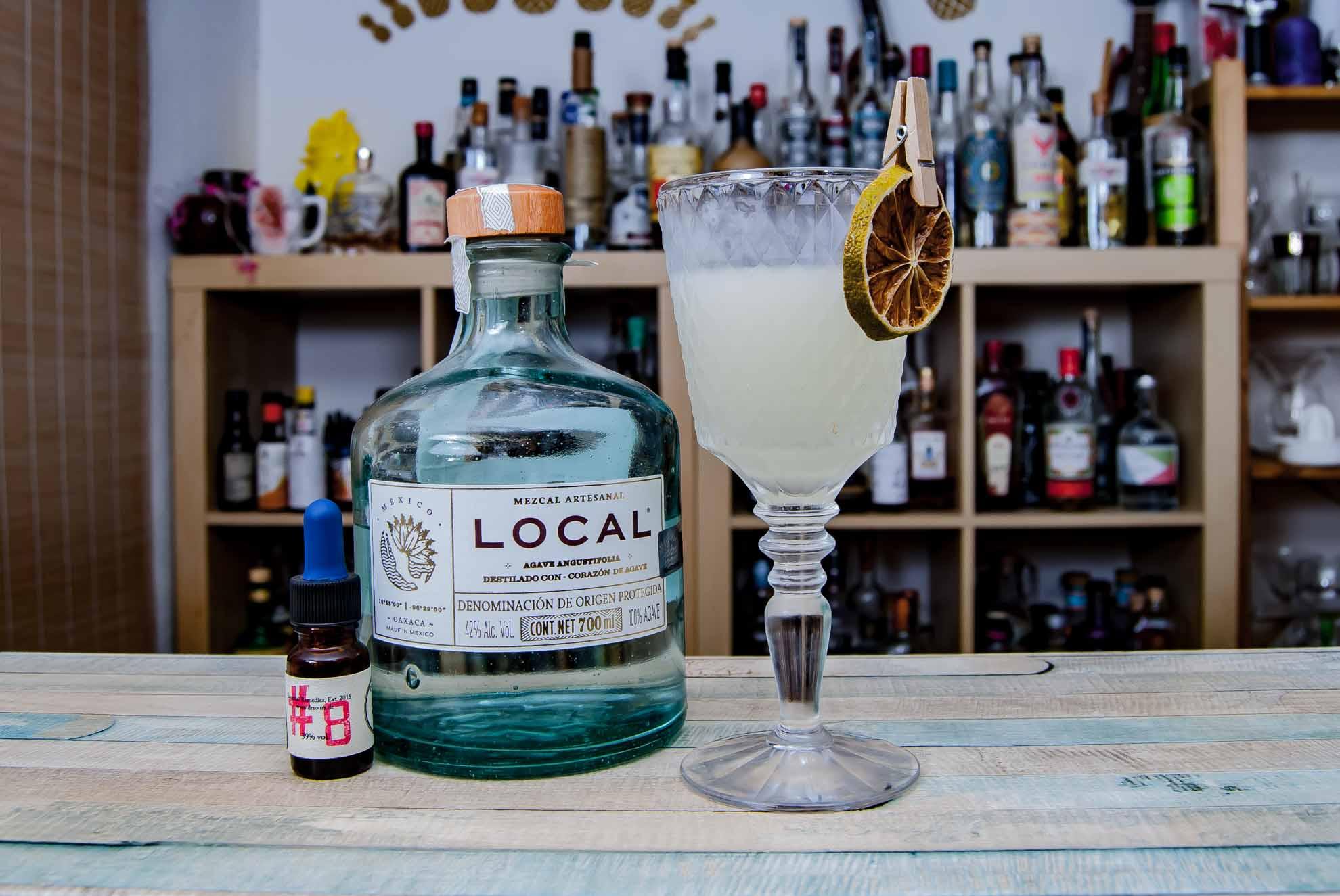 Mezcal Local in einer Tommy's Margarita, wohlgemerkt ohne Eis.
