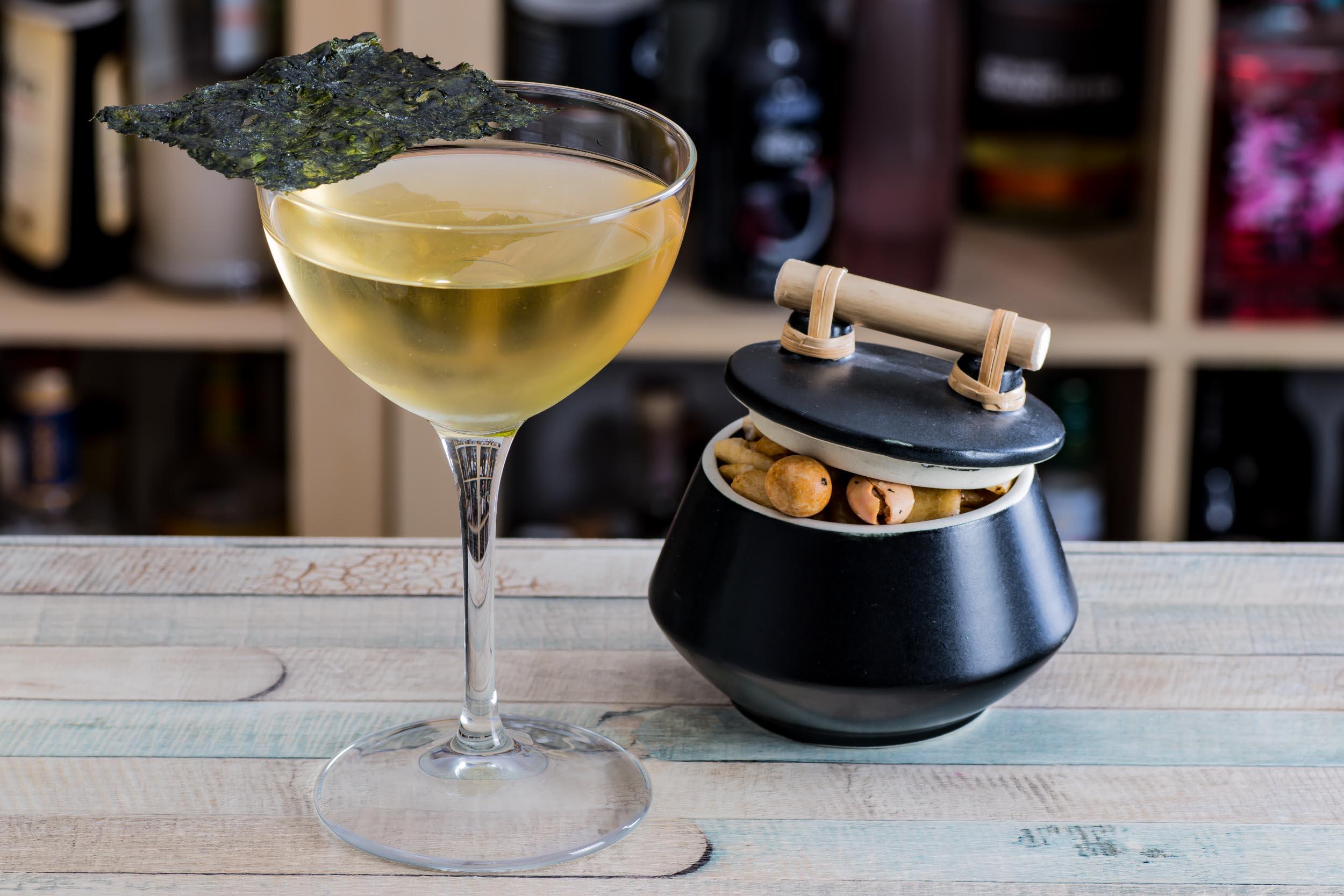 Der Bob Harris-Cocktail mit Sparkling Sake und Liebe.