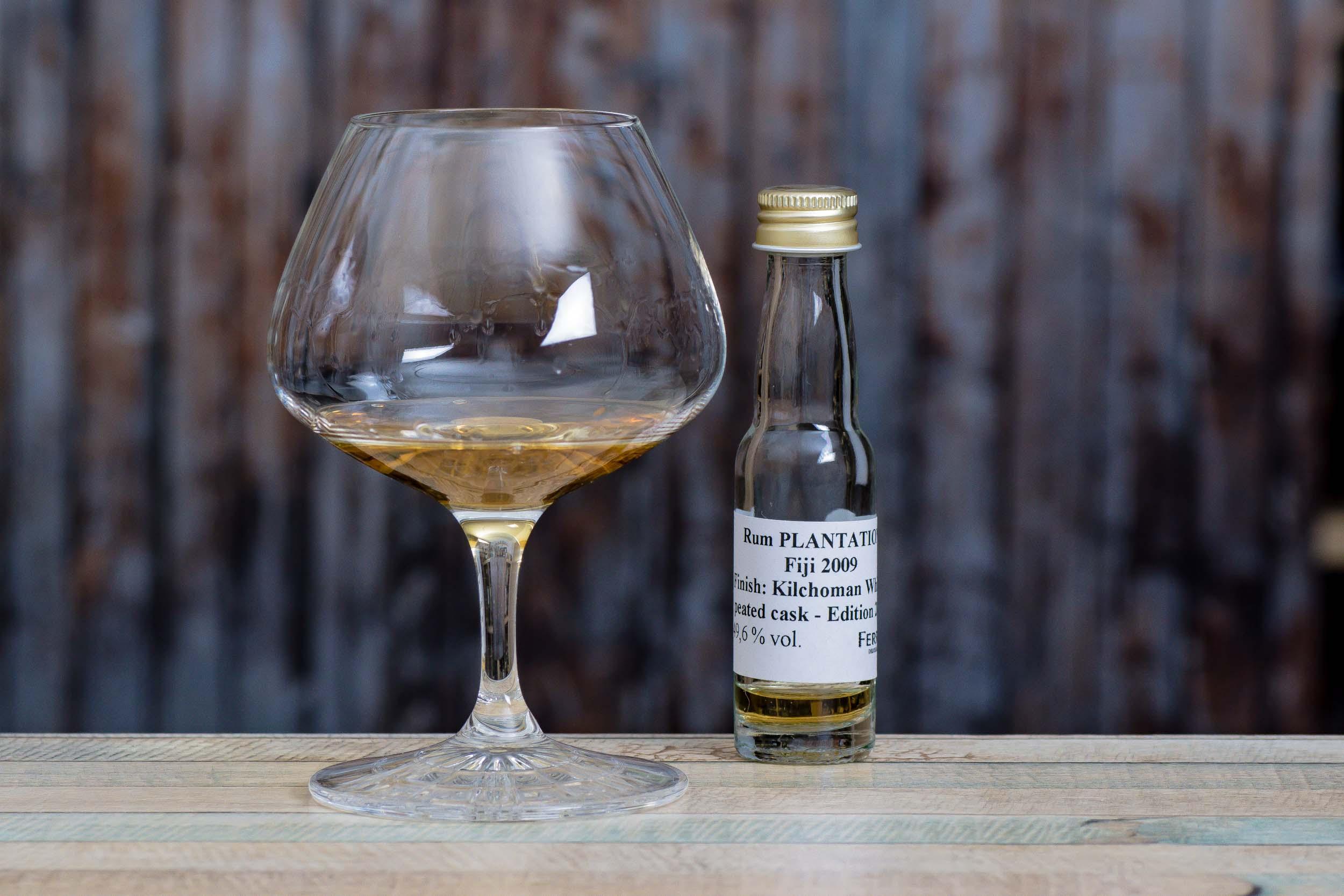 Plantation Fiji Islands 2009 Kilchoman Peated Whisky Cask Finish im Tasting.