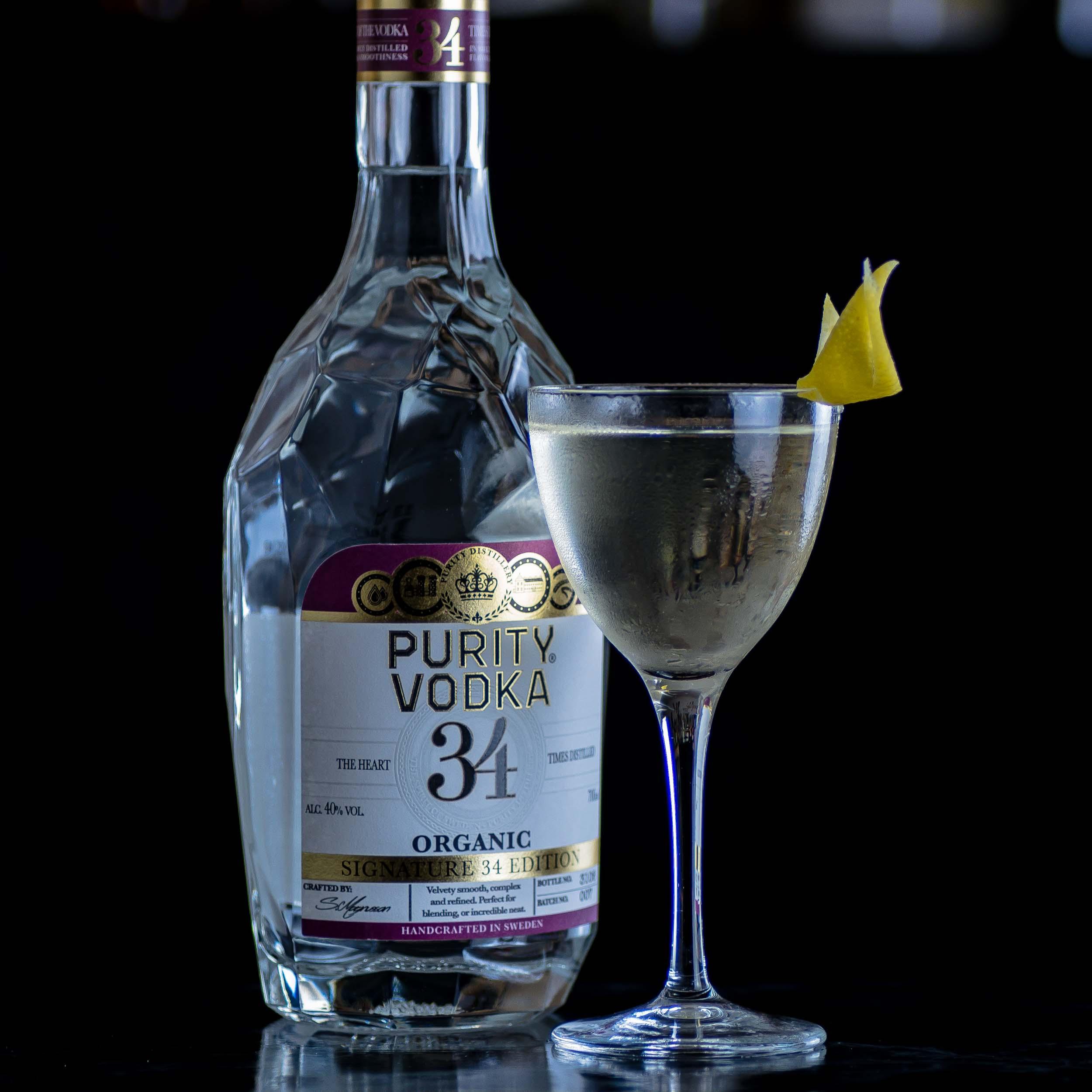 Ein Vesper Martini nach James Bond mit Purity 34 Vodka.