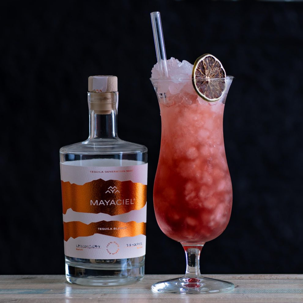 Mayaciel Tequila Blanco im Palomino Rojo Cocktail.