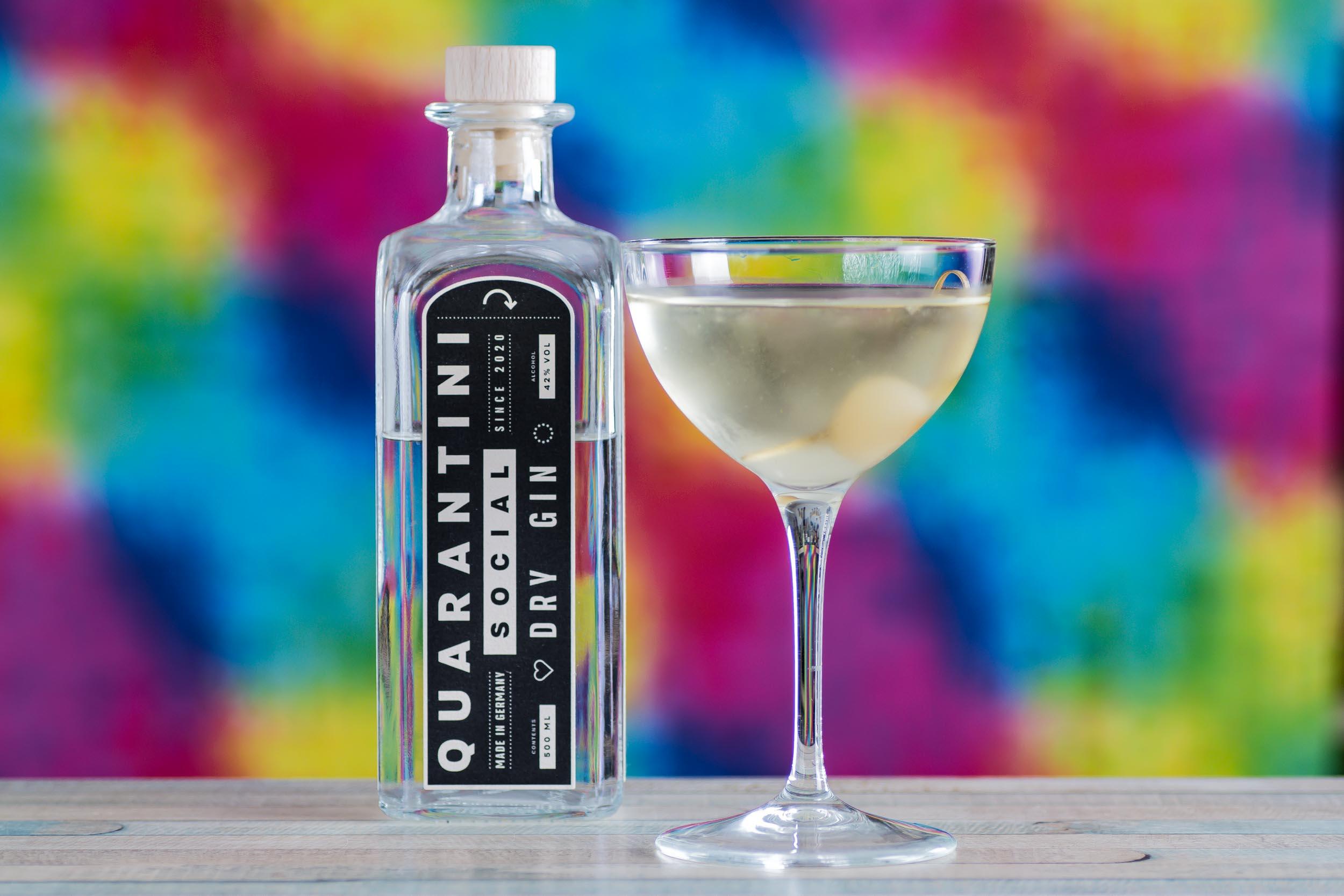 Ein Pandan Gibson Martini mit Quarantini Social Dry Gin.