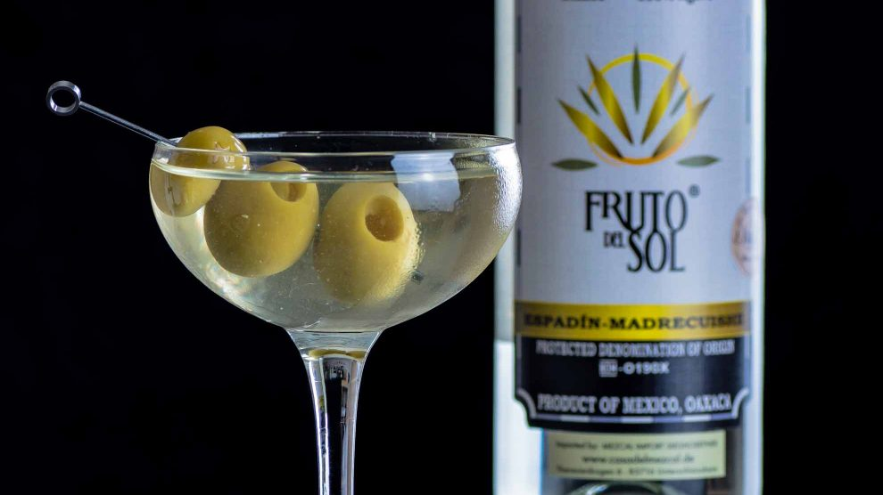 Fruto del Sol Mezcal im Dirty Martini.