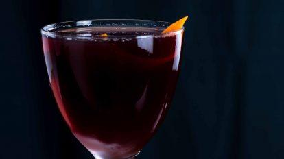 Der Adonis Cocktail mit süßem Wermut und Sherry.