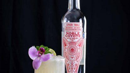 Noble Coyote Mezcal Espadin Tobala in einem Tia Mia Cocktail.