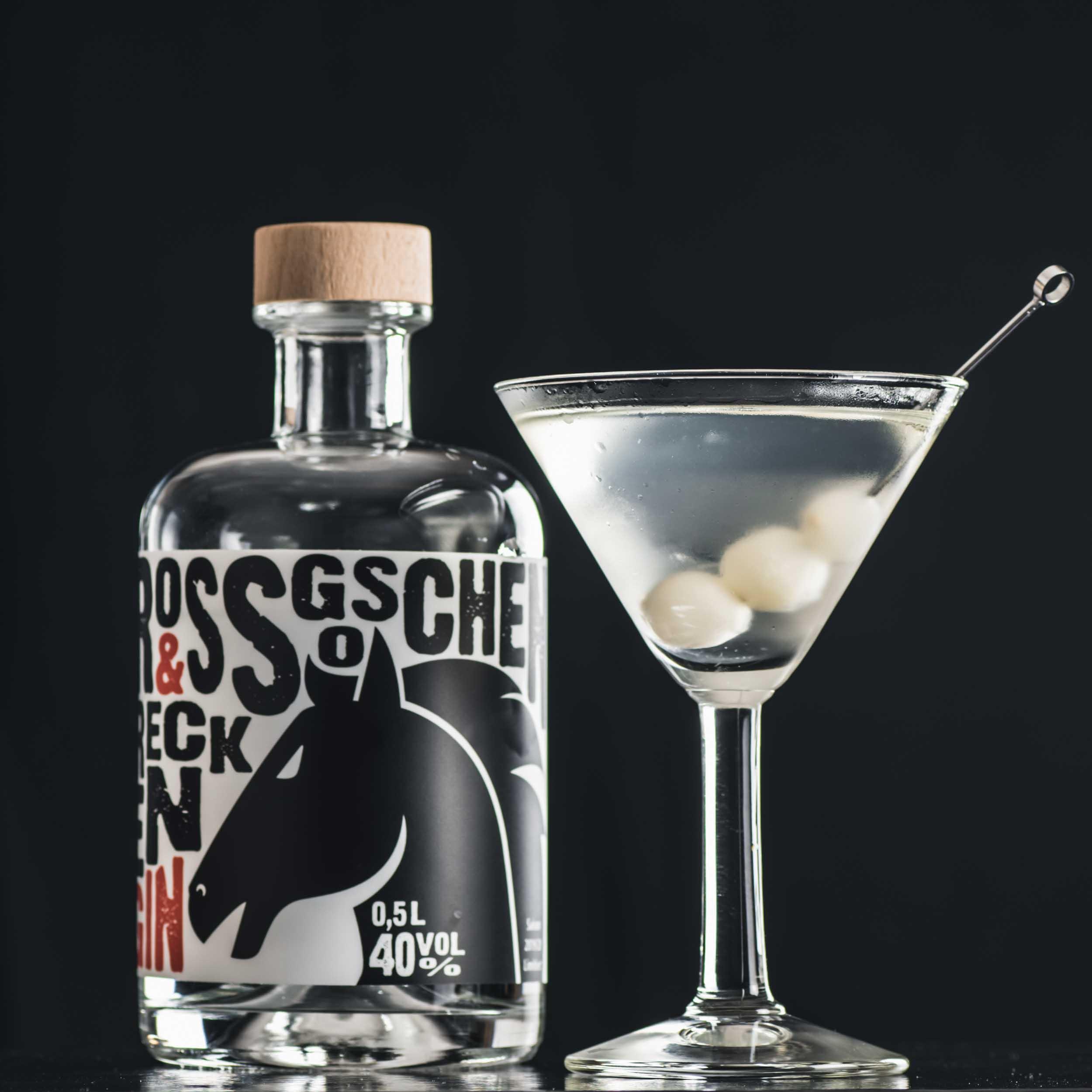 Recken Gin in einem Gibson Martini.