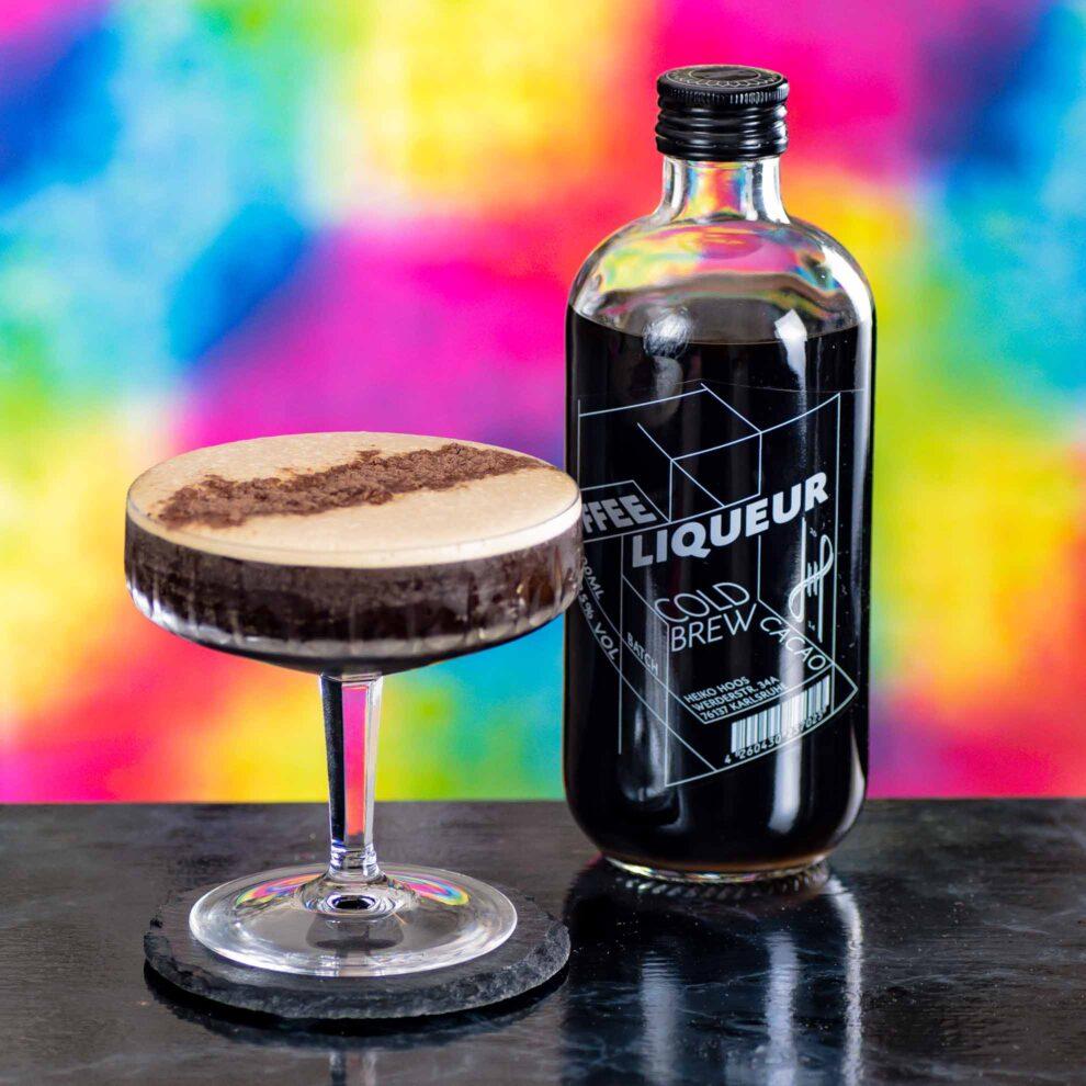 Hoos Coffee Liqueur Cold Brew Cacao in einem klassischen Espresso Martini.