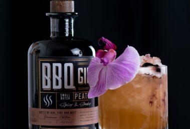 Der Humuhumunukunukuapua'bbq mit Wajos BBQ Gin, ein Twist auf den Humuhumunukunukuapua'a.