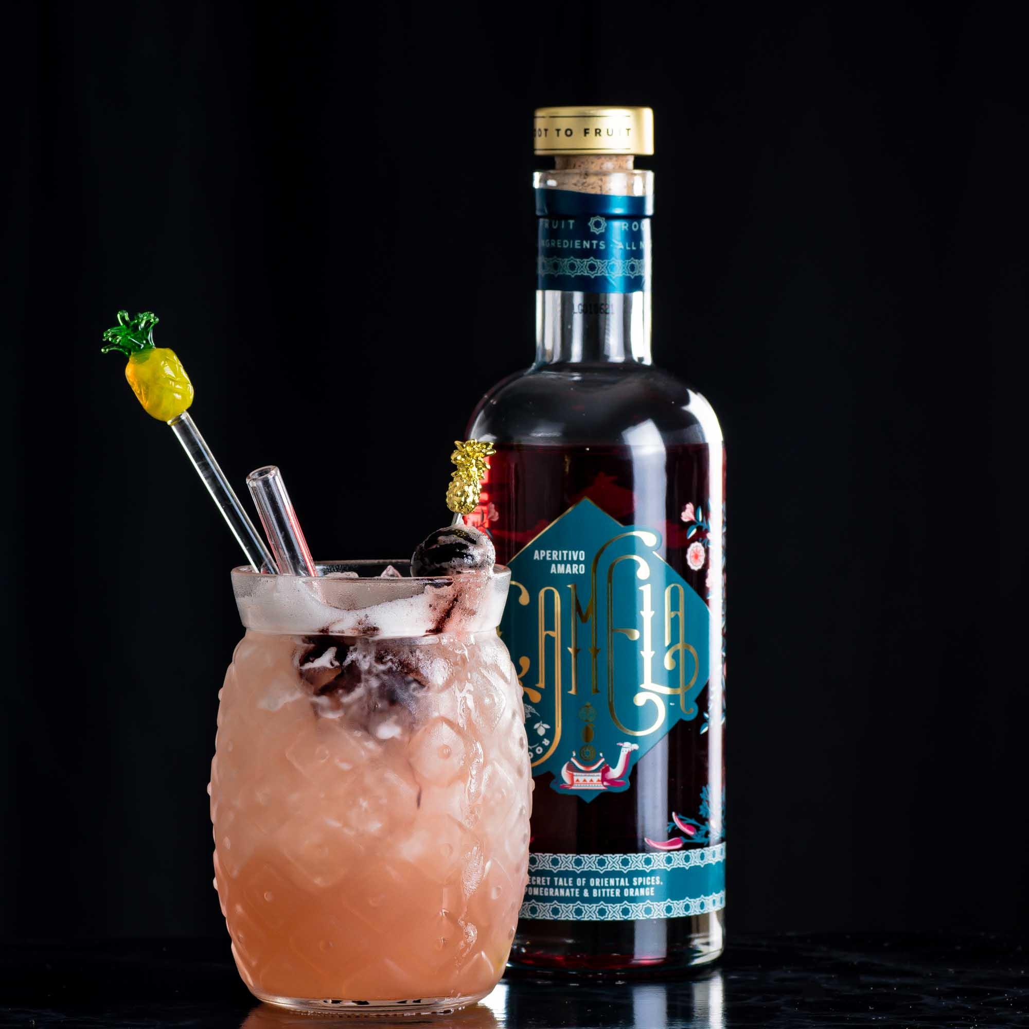 Root to Fruit Camela im Sandbird Cocktail.