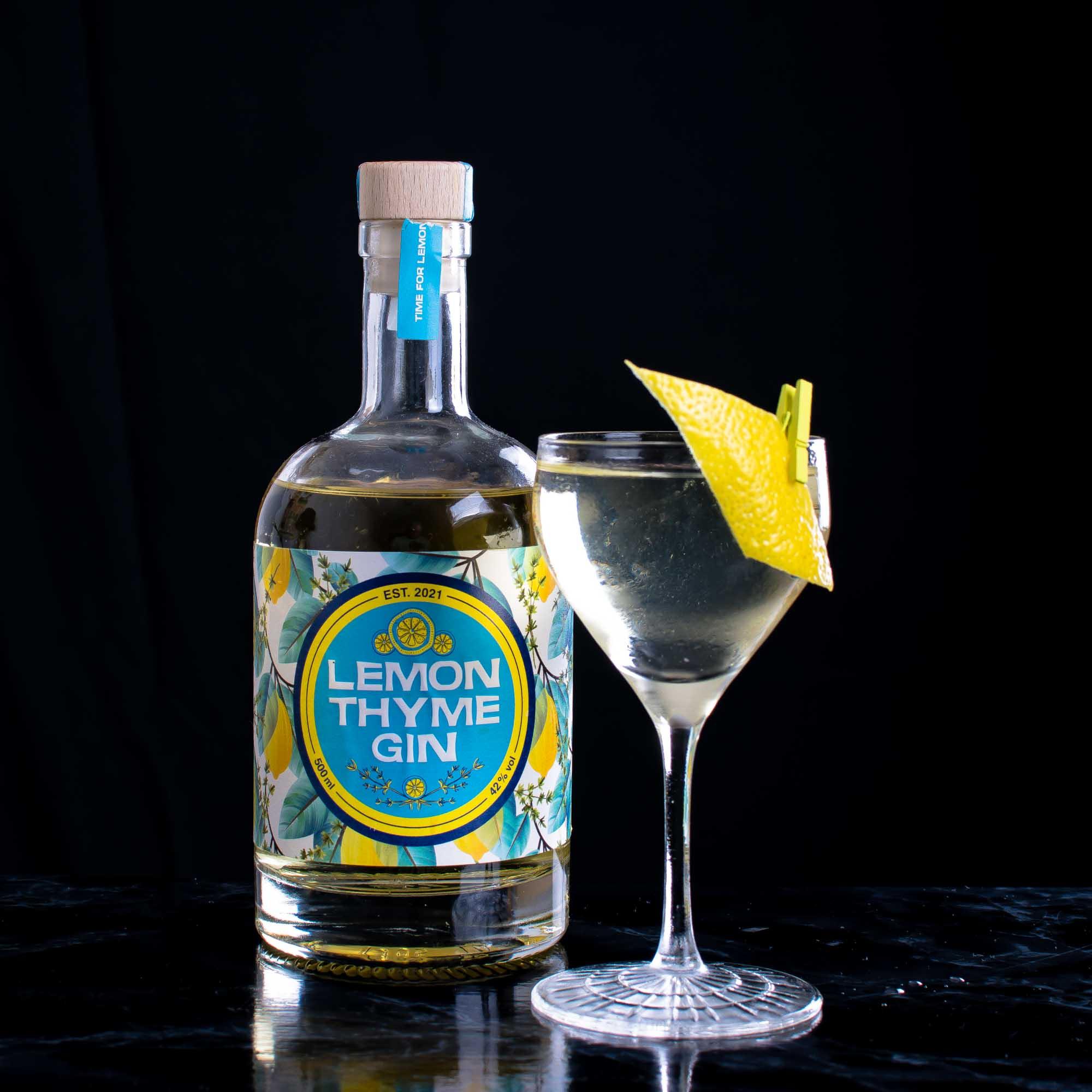 Wajos Lemon Thyme im Martini.