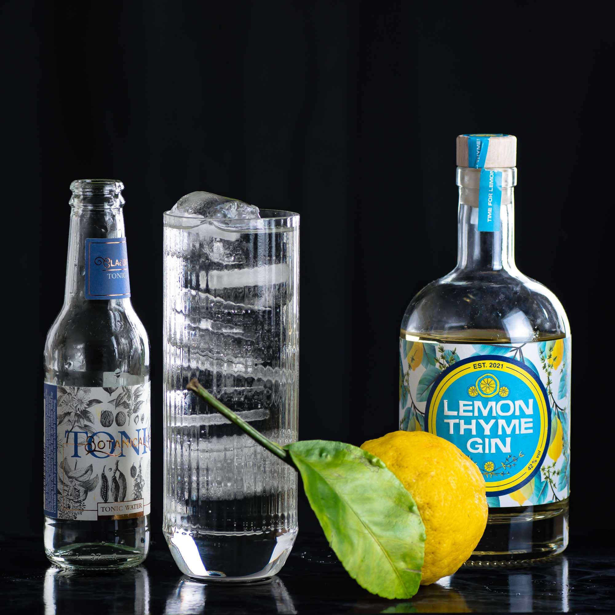 Wajos Lemon Thyme im Gin & Tonic mit dem Wajos Botanical Tonic Water.