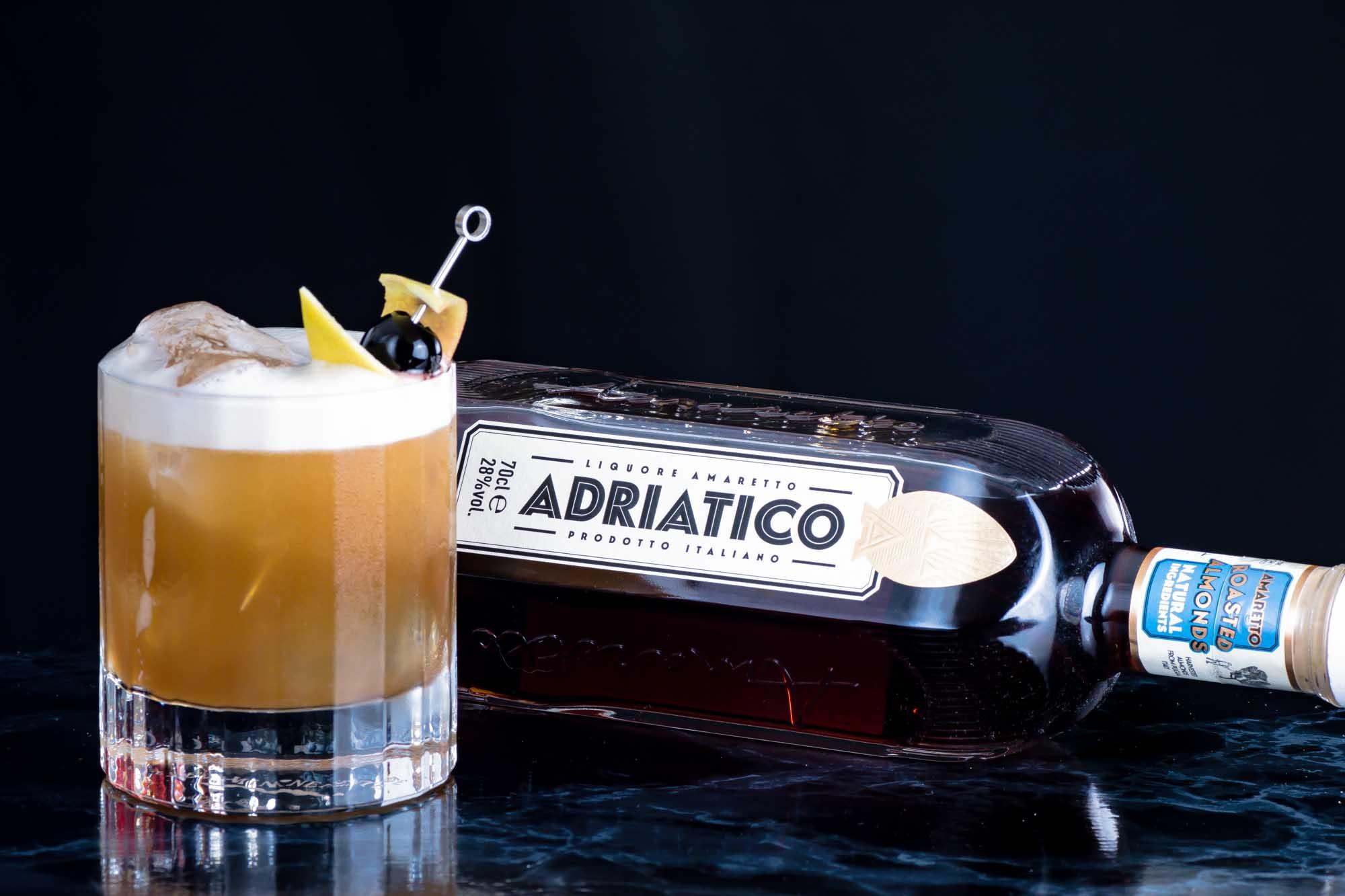 Ein Amaretto Sour mit Adriatico Amaretto.