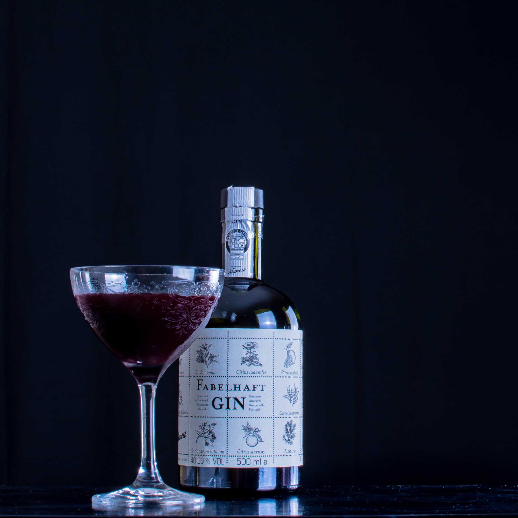 Ein Port Martinez mit Fabelhaft Gin.