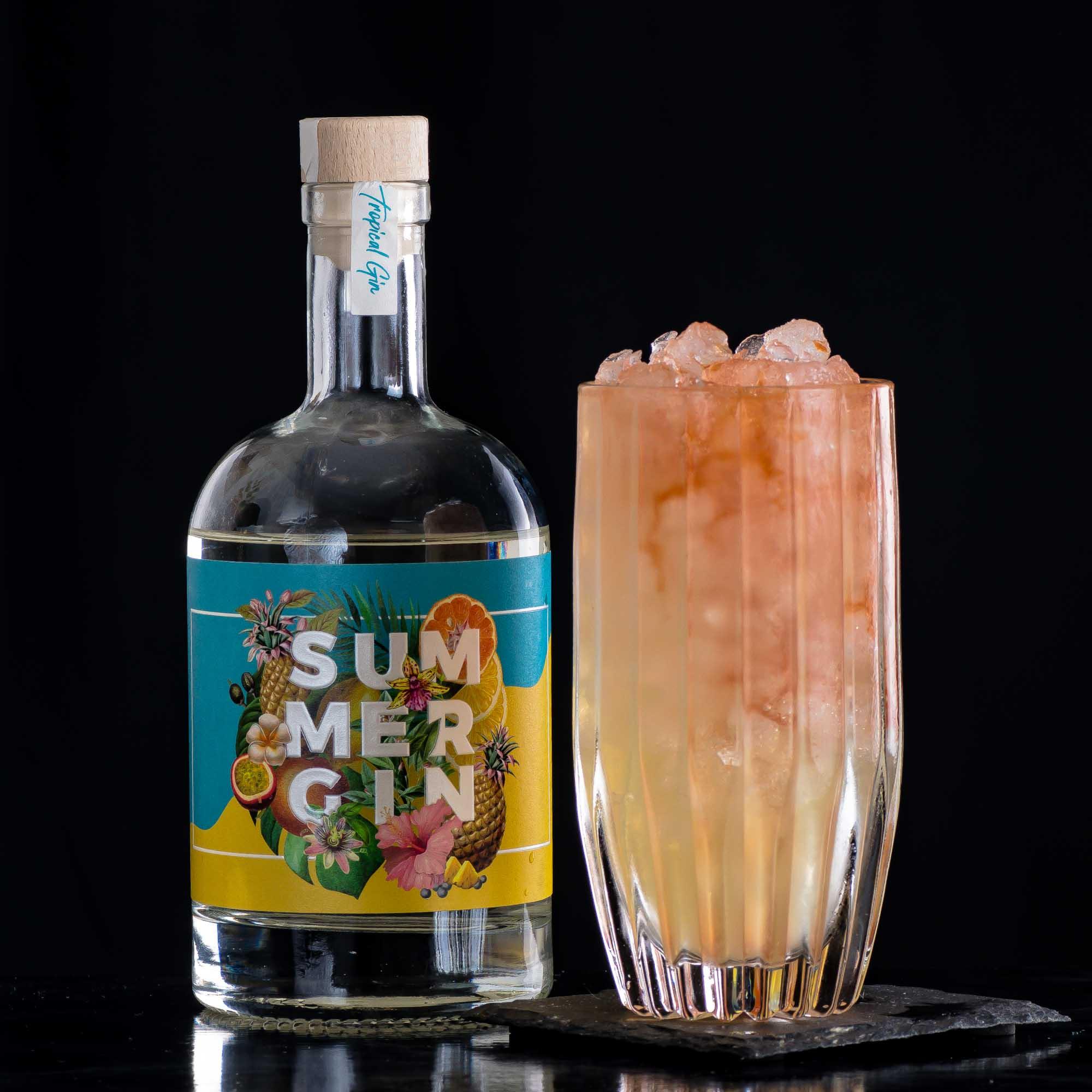 Wajos Summer Gin im Chartreuse Sundown Swizzle.